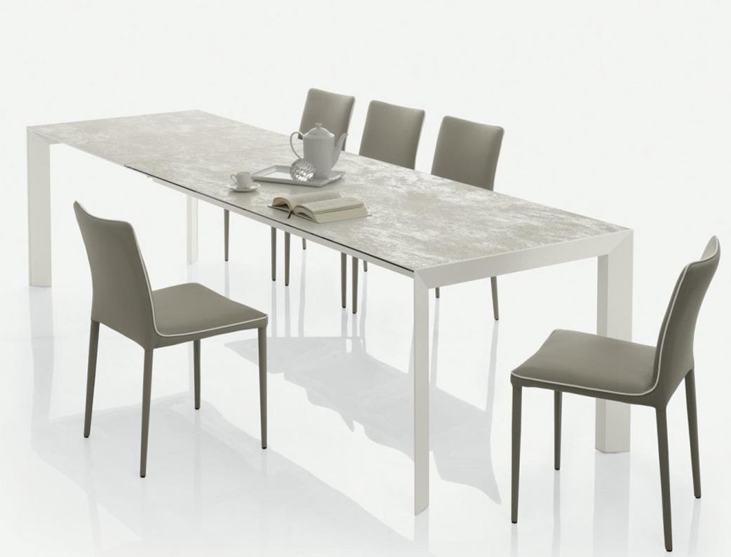 Trendy sedia con struttura in acciaio imbottita e for Sedie nuovo design
